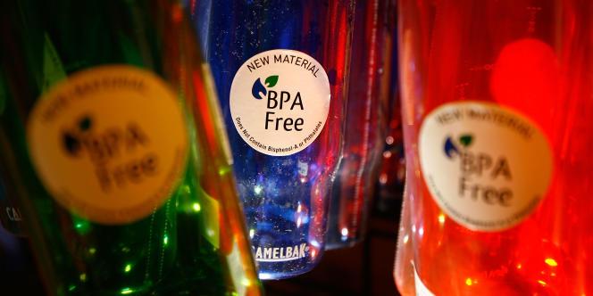 L'Agence nationale de sécurité sanitaire (Anses) préconise l'utilisation de produits de substitution au bisphénol A (BPA), ce qui protégerait la population de tout risque éventuel.
