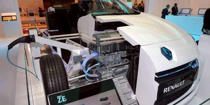 Vue de la Renault Fluence Z.E présentée au Mondial de Paris 2010.