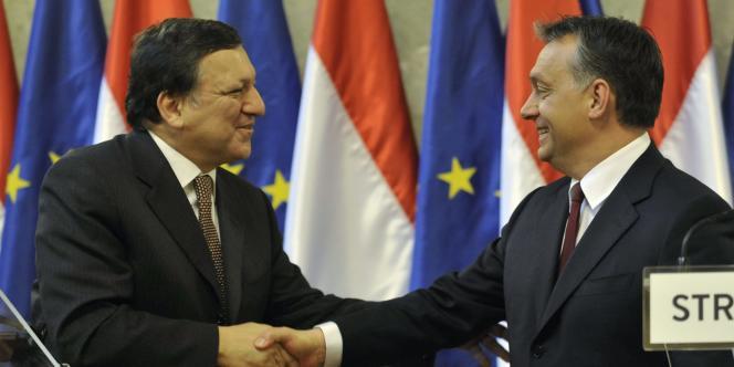 Le président de la Commission européenne, José Manuel Barroso, et le premier ministre hongrois, Viktor Orban, à Budapest, en janvier 2011.