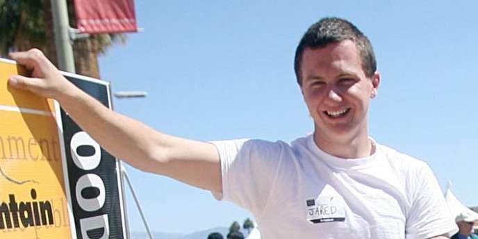 Photo de mars 2010 d'un homme identifié comme étant le tireur de l'Arizona, Jared Lee Loughner.