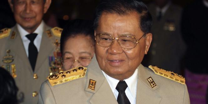 Le président désigné par le Parlement birman formera son gouvernement. Le rôle que s'est réservé Than Shwe, au pouvoir depuis 1992, dans cette nouvelle formule reste inconnu.