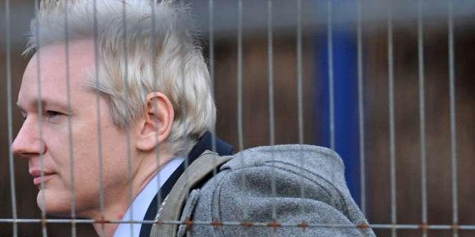Julian Assange à son arrivée au tribunal, le 11 janvier.