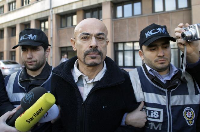 Le chirurgien turc Yusuf Sonmez, alias