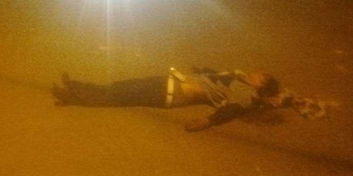 Un mort dans les rues de Sidi Bouzid, le 10 janvier 2011.