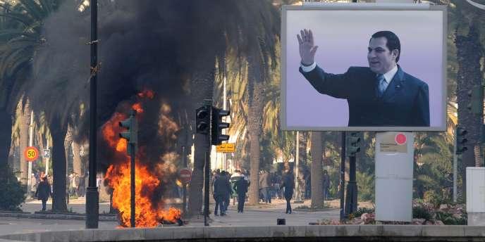 Un portrait de Ben Ali à Tunis.