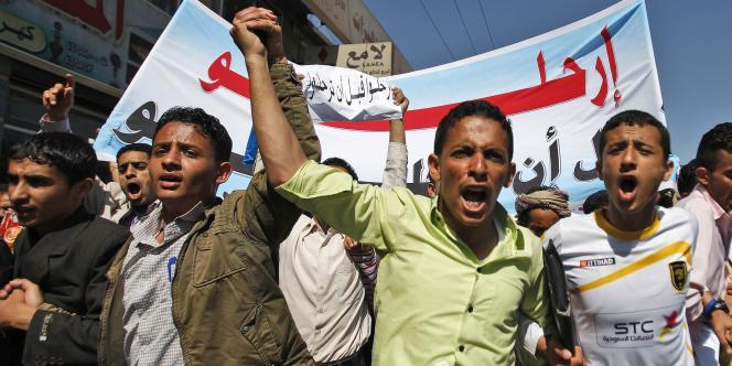 Des étudiants yéménites à Sanaa, le 16 janvier.