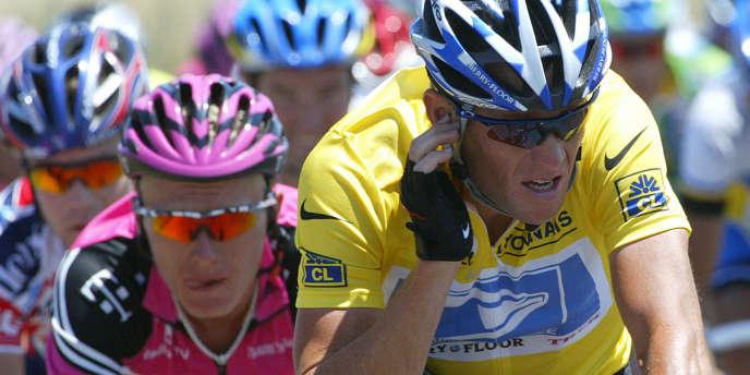Lance Armstrong sur le Tour de France 2003 le 17 juillet.