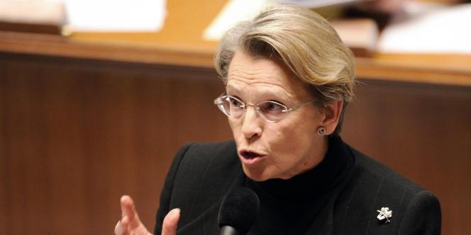 La ministre des affaires étrangères française, Michèle Alliot-Marie, le 21 décembre à l'Assemblée.