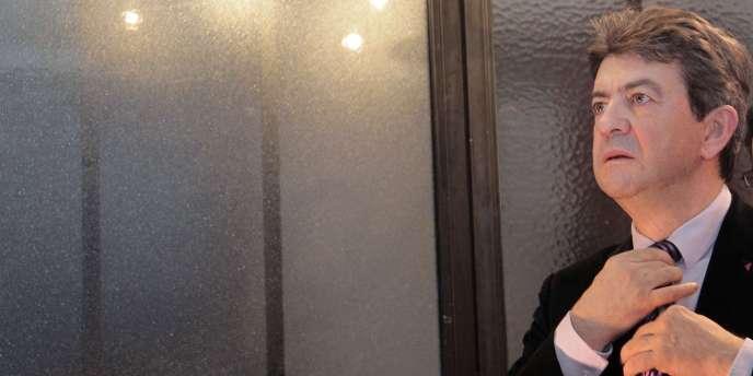 Le président du Parti de gauche, Jean-Luc Mélenchon, présente ses vœux à la presse, à Paris, le 13 janvier 2011.