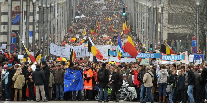 Entre de 30 000 et 40 000 Belges ont participé dimanche 23 janvier à Bruxelles à une marche de la