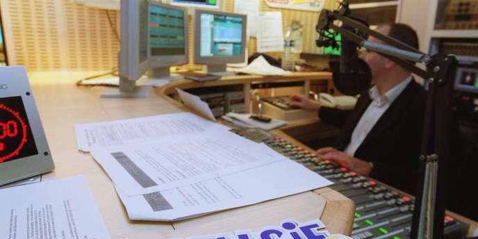Le studio de la radio Nostalgie, dans les locaux du groupe NRJ, qui rassemble les radios NRJ, Rire et Chansons, Nostalgie et Chérie FM.
