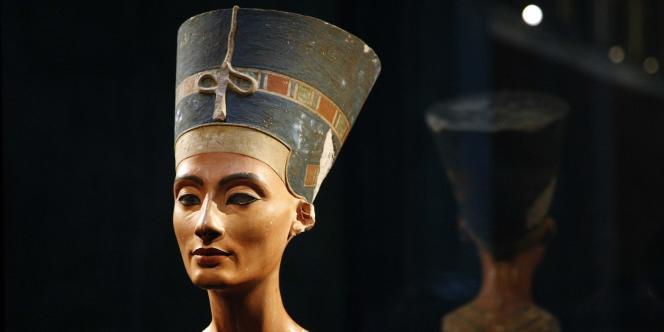Le buste de la célèbre reine a été découvert en 1912 par l'archéologue allemand Ludwig Borchardt.