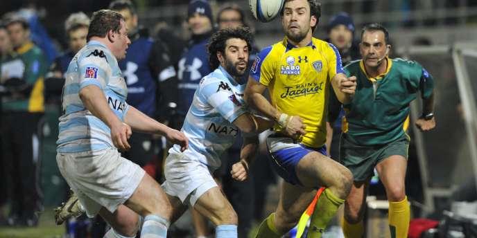 Le champion de France en titre, Clermont, reçoit Bayonne avec l'envie d'effacer la défaite enregistrée face à Montpellier. Quatrièmes, les Clermontois ne possèdent qu'un point d'avance sur les Basques, septièmes.
