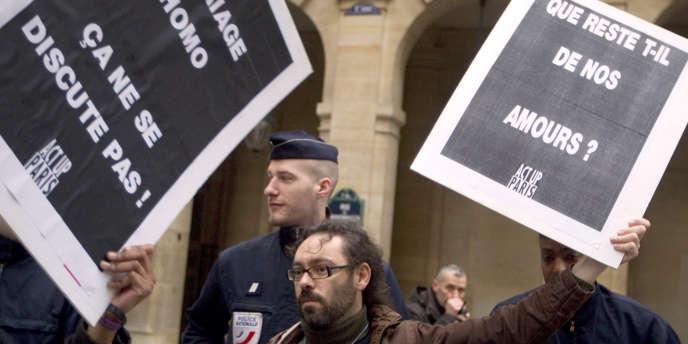 Manifestation d'Act Up devant le Conseil constitutionnel, le 18 janvier, à Paris.
