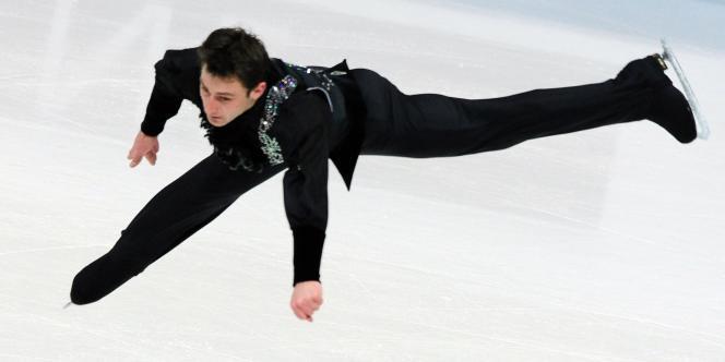Le Français Brian Joubert lors des championnats d'Europe 2011 de patinage artistique, à Bern.