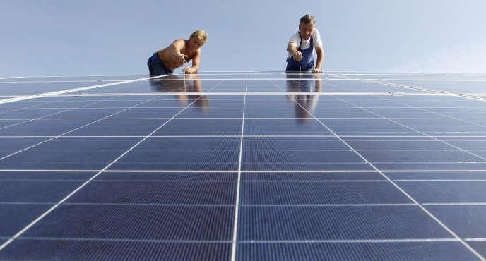 Une usine de panneaux solaires près de Olching-Esting, à l'ouest de Munich, le 7 juillet 2010.
