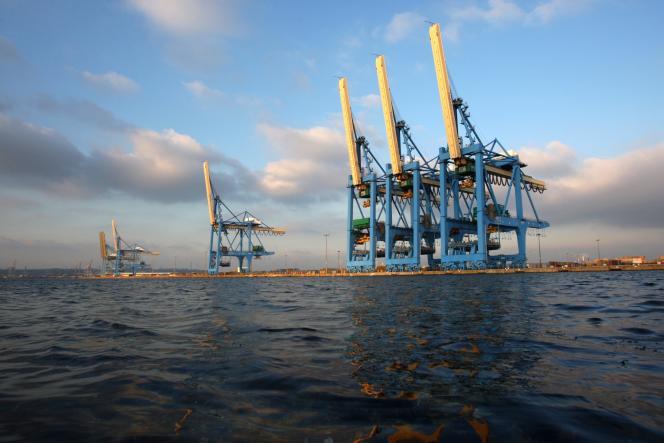 Vue du port du Havre, deuxième port français, en janvier 2011.