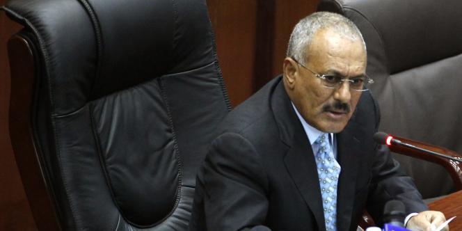 Au pouvoir depuis trente-deux ans, le président Ali Abdullah Saleh, qui a réunifié le pays en 1990, a durci sa politique à partir de la guerre civile qui a opposé sudistes et nordistes, en 1994.