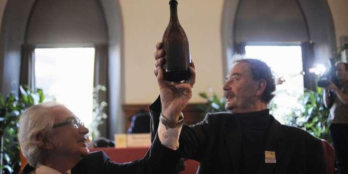 La bouteille, datant de 1774, a atteint un prix record pour un vin du Jura.