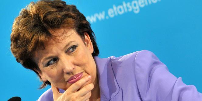 L'Elysée a annoncé que l'ancienne ministre UMP Roselyne Bachelot siègerait dans la commission Jospin sur la moralisation de la vie politique.