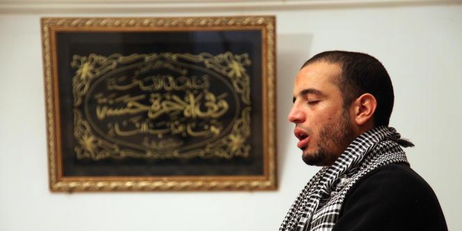 Ahmed ne va plus à la mosquée, de peur d'être à nouveau arrêté.