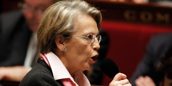 Michèle Alliot-Marie, le 8 février 2011 à l'Assemblée nationale. Elle intervenait alors en tant que ministre.