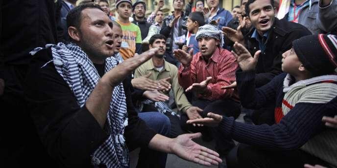 Manifestant au Caire, en Egypte, le 10 février.