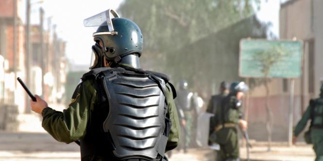 L'état d'urgence était en vigueur depuis dix-neuf ans pour lutter contre la guérilla islamiste.