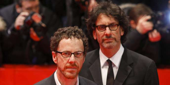 Joel (à droite) et Ethan Coen lors de la cérémonie d'ouverture de la 61e Berlinale à Berlin, le 10 février 2011.