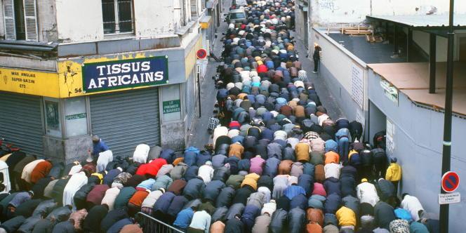 Les prières de rue dans le quartier de la Goutte-d'Or, à Paris, ont cessé depuis l'attribution en septembre d'un lieu de culte dans un hangar du 18e arrondissement.