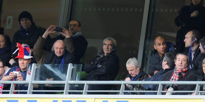 Raymond Domenech dans les tribunes de Lansdowne Road lors du match de rugby Irlande-France, le 13 février.