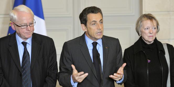 Les parents de Florence Cassez aux côtés de Nicolas Sarkozy, lors de son discours à l'Elysée le 14 février.