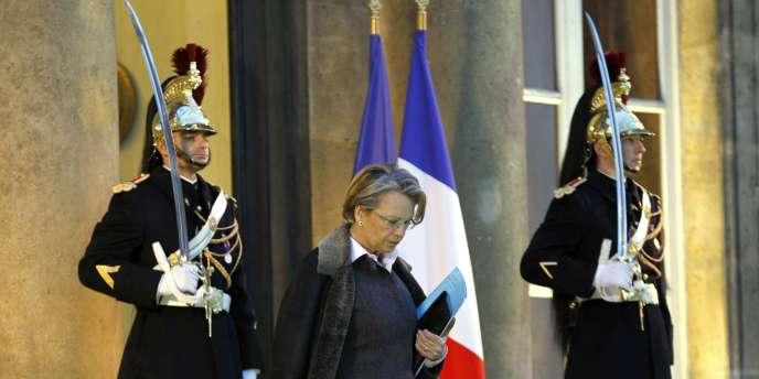 Michèle Alliot-Marie sortant de l'Elysée le 15 février 2011.