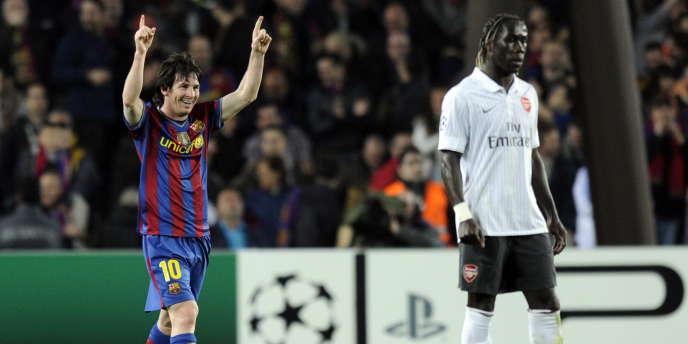 Lionel Messi et Bakary Sagna le 6 avril 2010 à Barcelone.
