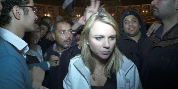 Lara Logan sur la place Tahrir au Caire, quelques instants avant son agression, le 11 février 2011, jour du départ de Hosni Moubarak.
