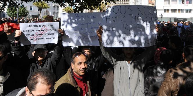 Des manifestants à Tunis, samedi 19 février.