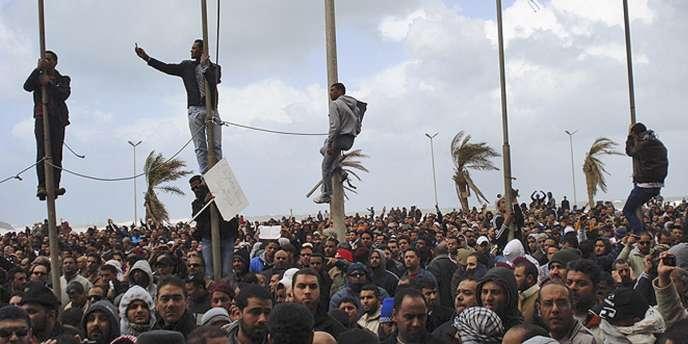 Des manifestants en Libye.