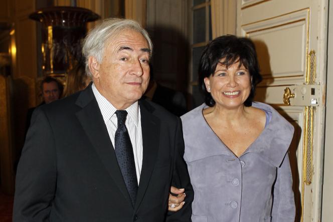 Dominique Strauss-Kahn et  Anne Sinclair, à Paris, au Sénat, en mars 2010.