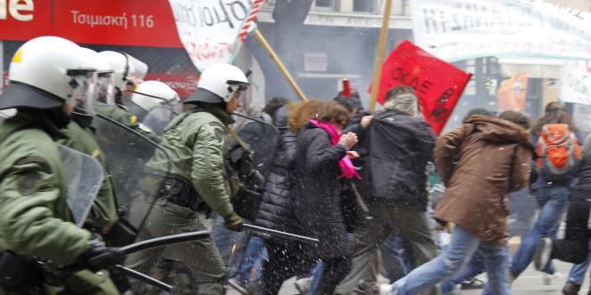 A Salonique, lors de la manifestation du mercredi 23 février.
