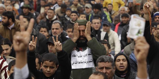 Des manifestants anti-Kadhafi, le 25 février à Tripoli.