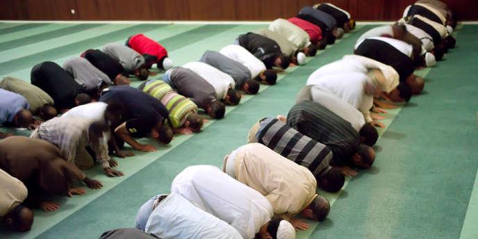 Amnesty International publie son premier rapport sur la question des discriminations envers les musulmans en Europe.