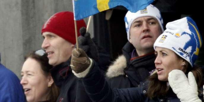 Depuis l'entrée de l'extrême-droite au parlement en septembre 2010, le gouvernement de Fredrik Reinfeldt - bonnet blanc, au centre - a tenu ferme et refusé toute concession à ce parti issu du néo-nazisme.