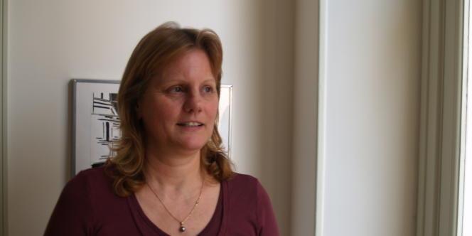 Brigitte Brevan, ancienne directrice de l'office HLM de Montereau, licenciée à son retour de congé maladie pour un cancer du sein.