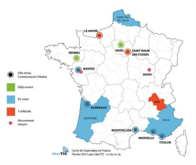 La carte des villes, conseils généraux et régions impliqués dans un programme d'ouverture des données publiques en France, maintenue par LiberTIC.