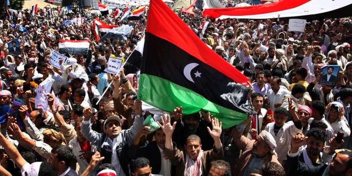 Des milliers de personnes ont manifesté contre le gouvernement vendredi 11 mars, à Sanaa.
