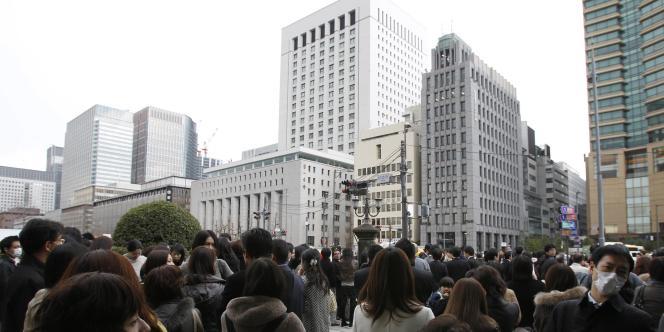Dans les rues de Tokyo, après le séisme, le 11 mars 2011.