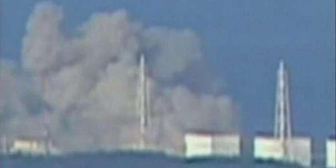 Capture d'écran de la chaîne NTV, montrant la centrale nucléaire de Fuskushima, à 240 kilomètres au nord de Tokyo, ayant subi une explosion dans la matinée du 12 mars 2011.