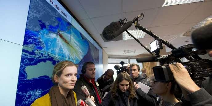 Pour Nathalie Kosciusko-Morizet, en visite au CEA après le séisme au Japon, à Bruyères-le-Chatel, près de Paris,