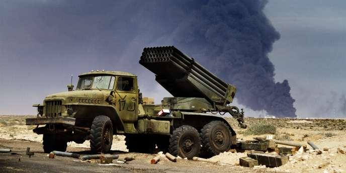 Selon un diplomate de l'ONU, les rebelles pourraient vendre du brut sans être soumis aux sanctions américaines s'ils effectuent leurs transactions en dehors de la National Oil Corporation et d'autres entités liées au régime kadhafiste et visées par les sanctions.