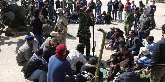 Les troupes rebelles à Benghazi, le 14 mars 2011.